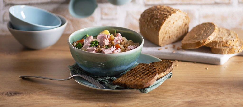Čočka a brambory dušené s tuňákem (pro stolování)